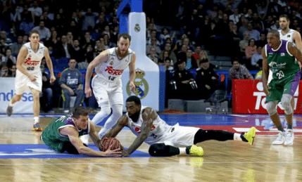 ver Unicaja de Málaga - Baloncesto Sevilla online gratis