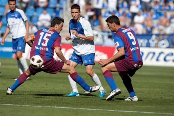 Dónde ver el partido de fútbol Tenerife Huesca 4 diciembre