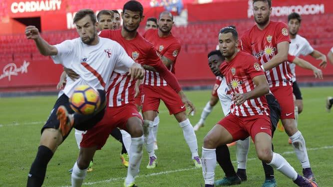 Dónde ver el partido de fútbol Almería Sevilla Atlético 23 abril