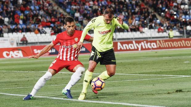 Dónde ver el partido de fútbol Córdoba Almería 16 abril