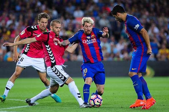 Dónde ver el partido de fútbol Alavés Barcelona online gratis