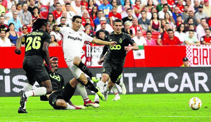 Standard Lieja venció al Sevilla y la última jornada será una final